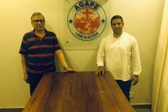 Vachan och Vikrant i nya kontoret